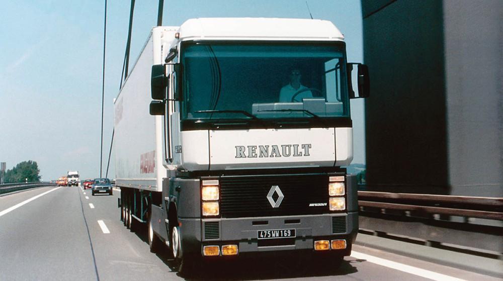 AE500_© 2009 Renault Trucks SAS_BD