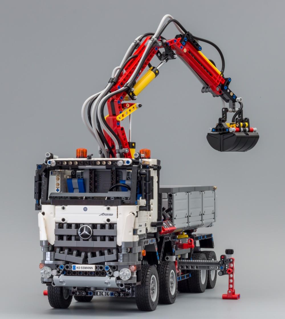 LEGO_42043_8