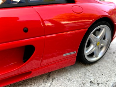 Ferrari F355 (GT Spirit - 1/12ème) - photo lov4wheels