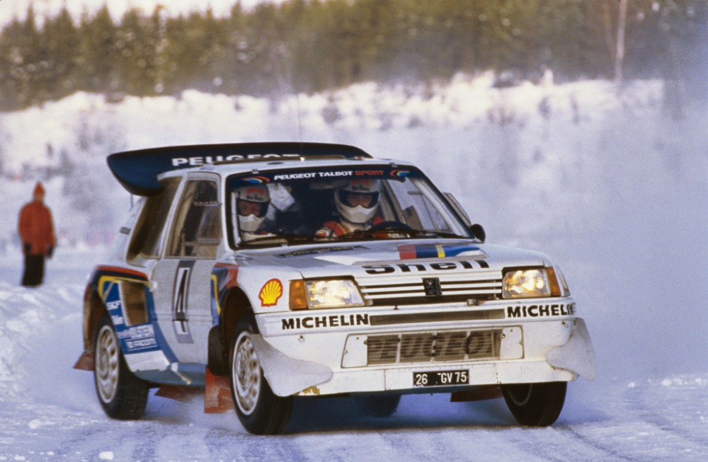 peugeot_205_t16_rally_car_2